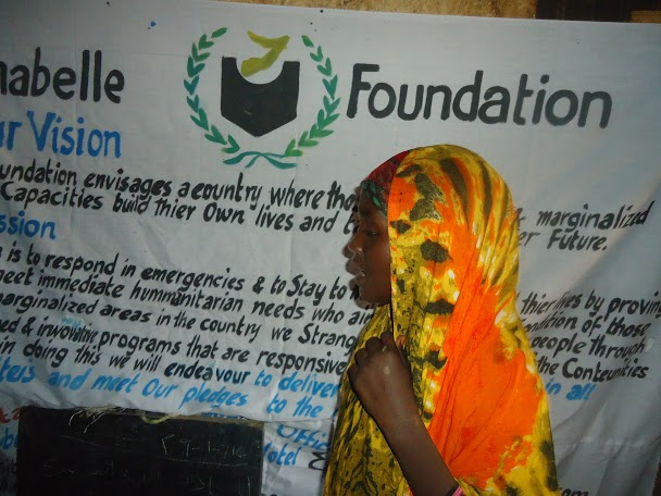 woman-speaking-for-the-orphanages-to-help.17